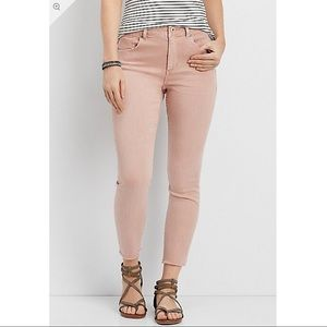 NWT Maurices Pink High Rise Crop Frayed Hem Jeans